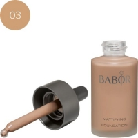 Mattifying Foundation 03
